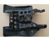 Scut plastic sub ax spate quad (varianta)